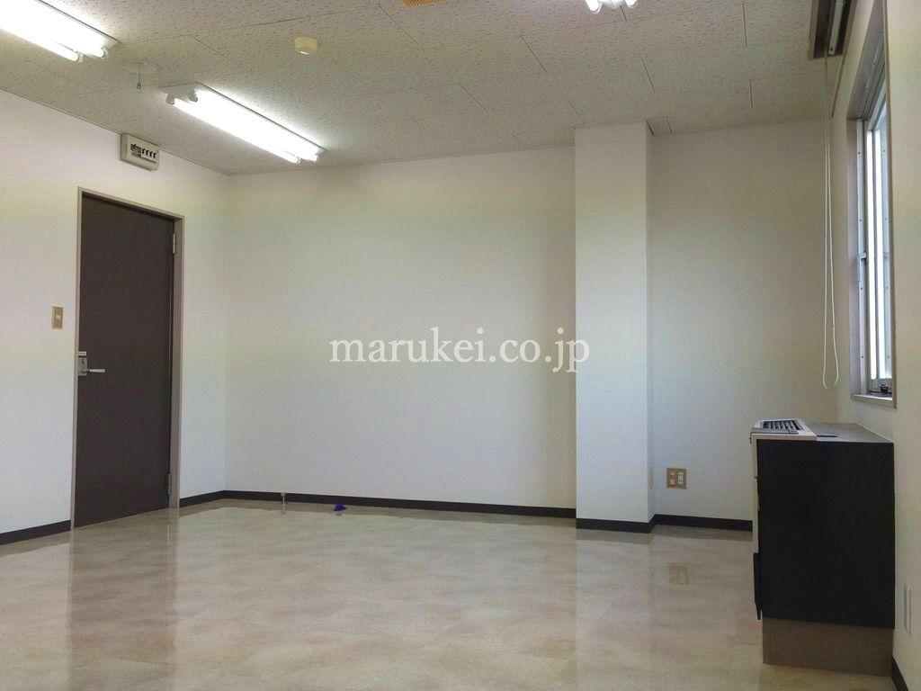 越谷市蒲生のオフィス、サテライト6ビル。502号室の室内です。