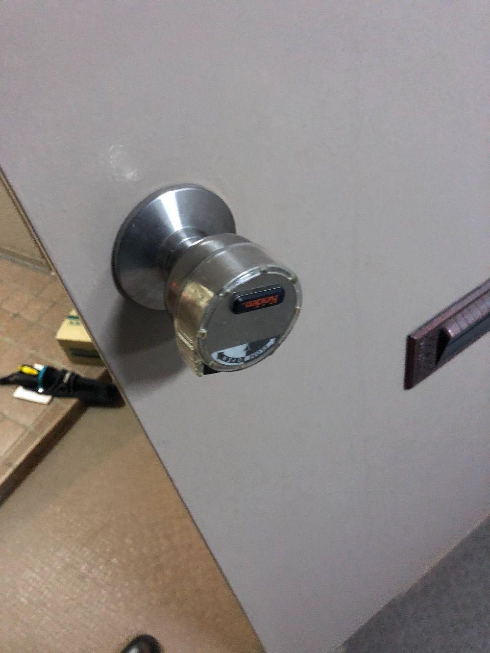 [大家さんにもできる?鍵交換]MIWA HPD-40HS ドアノブごと錠交換してみました。