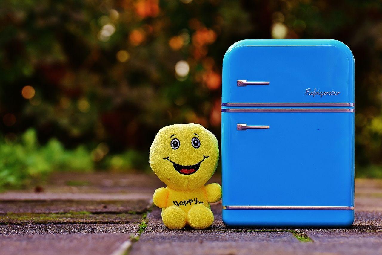 マンスリーマンションの備品の冷蔵庫を新調しました。